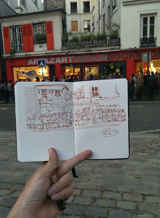 Художник привозит из дальних стран изрядное количество рисунков, передающих атмосферу разных городов