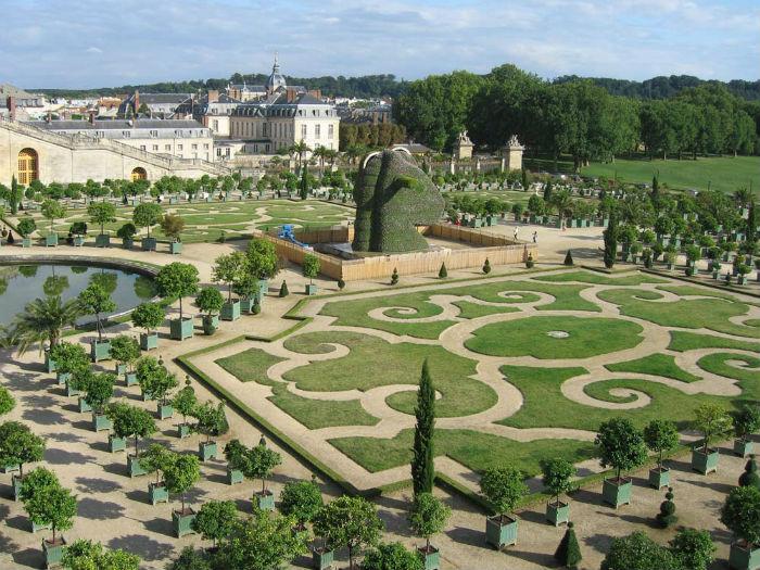 Скульптура Джеффа Кунса во Франции