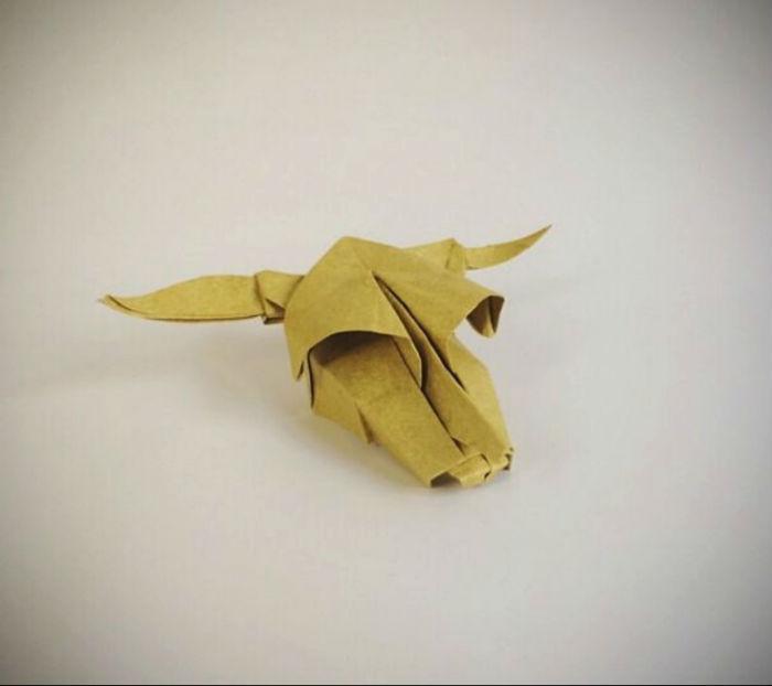 В блоге мастера можно найти не только фигурки животных – иногда Симонс складывает из бумаги черепа, цветы, цифры и кораблики