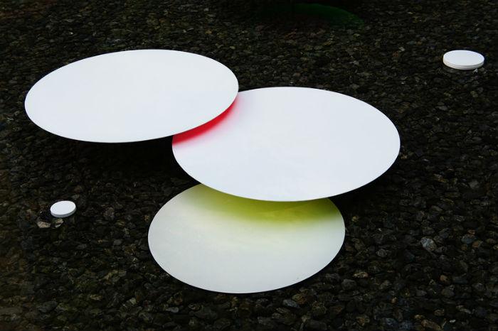 В проекте Water pallet Сибуя остаётся верен себе: он вновь работает с движущимися объектами и цветом