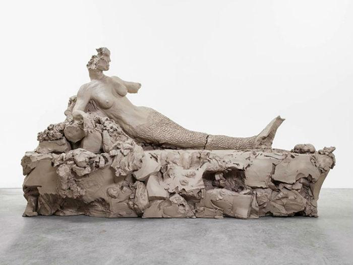 В апреле этого года в галерее Gagosian gallery художник Урс Фишер  представил новую выставку скульптур