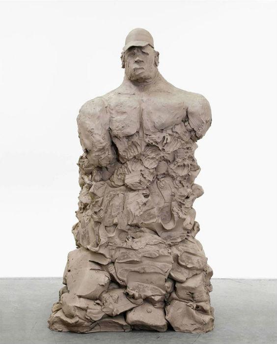 Бронзовые скульптура Урса Фишера выглядят так, будто сделаны из глины
