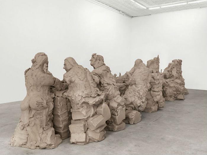 Пожалуй, самой масштабной из представленных на выставке работ стала скульптура Last Supper («Тайная вечеря»)