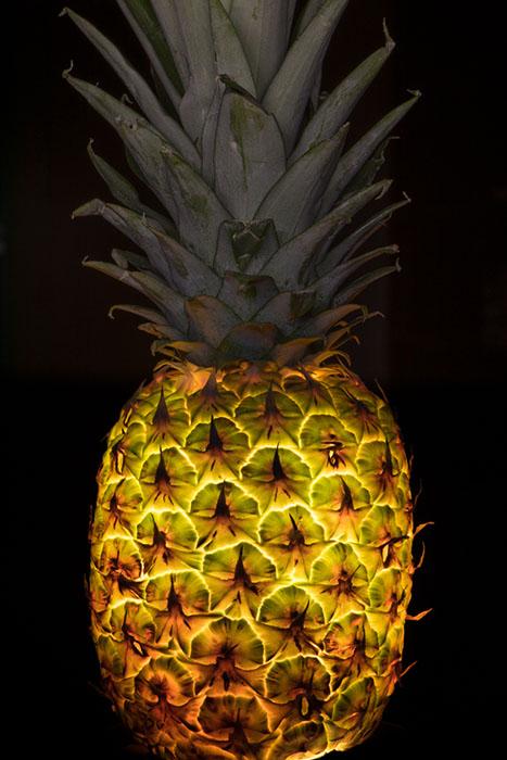 Свет внутри: свежий взгляд на привычные овощи и фрукты