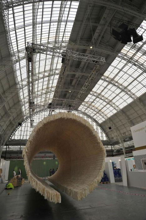 Китайский художник представил своё творение в лондонской галерее