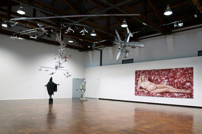 """Выставка Марка Куинна, экспозиция """"Звук тишины"""""""