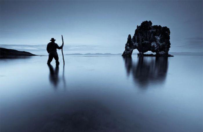 Hvitserkur: каменный динозавр на побережье Гренландского моря