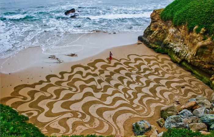 Andres Amador: картины на песке