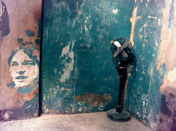 Колоритные портреты на стенах от художника Vhils