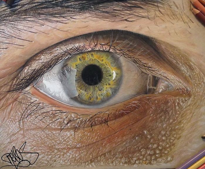 Гиперреалистичные глаза от художника Redosking