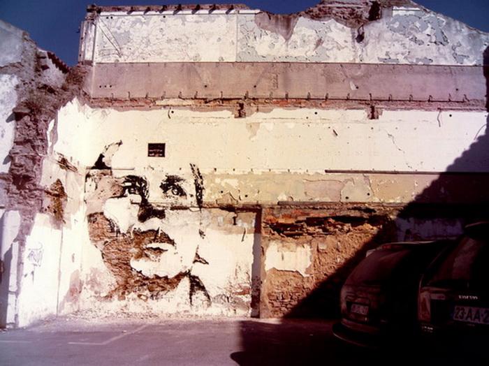 Контрастные портреты на стенах