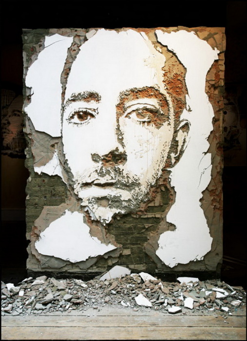 портреты на стенах от португальского художника Alexandre Farto aka Vhils