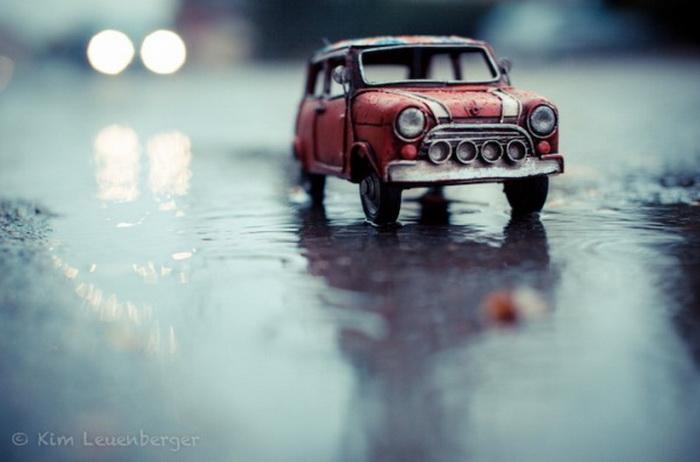 Коллекция игрушечных автомобилей.
