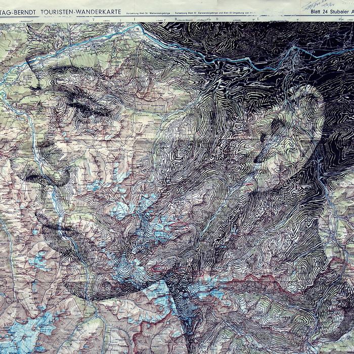 Необычный портрет из карты