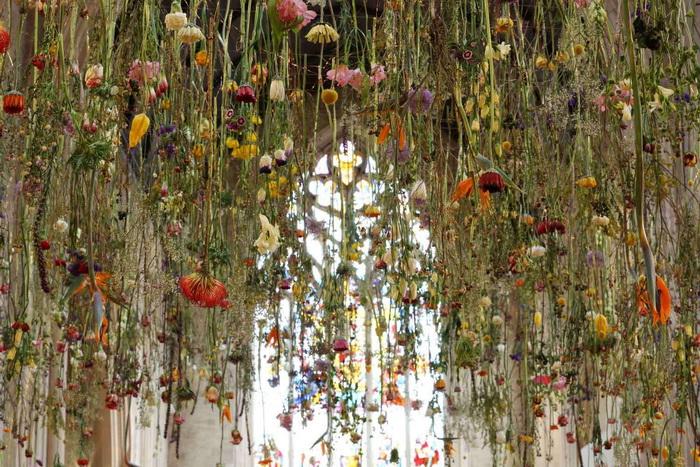 Композиции из цветов от Rebecca Louise Law.
