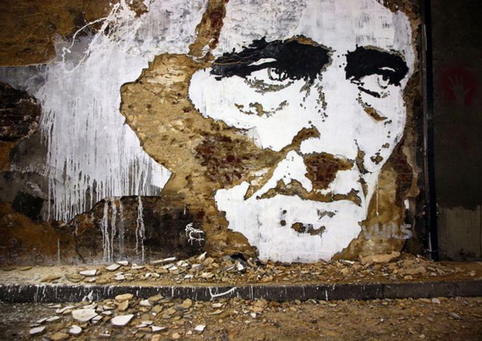 рисунки на стенах от художника Alexandre Farto aka Vhils