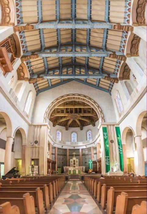 Собор Сент-Винсент де Поль в Калифорнии