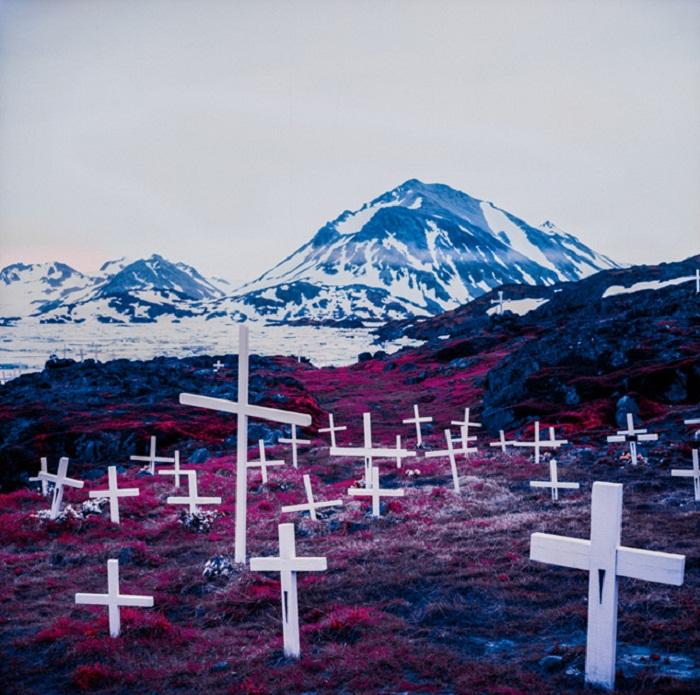 Инфракрасное кладбище от Daniel Zvereff.
