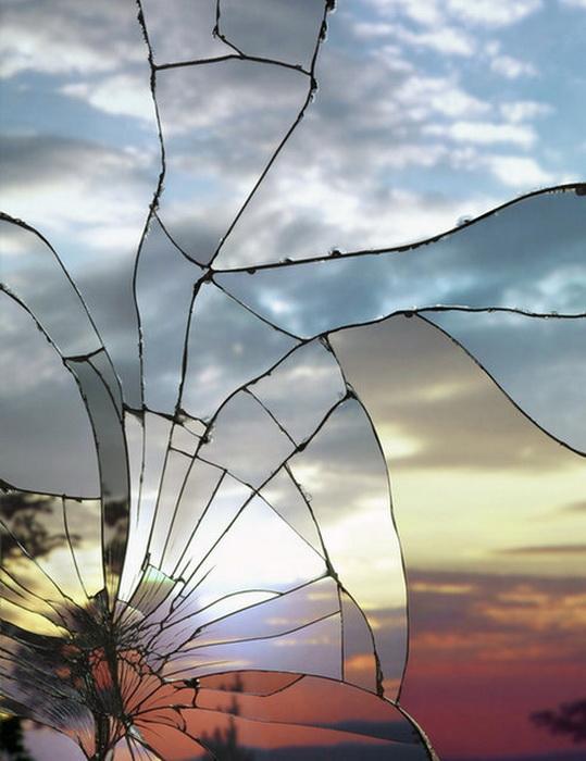 Отражение в разбитых зеркалах