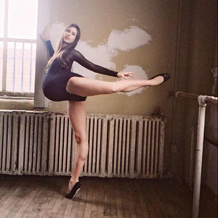 Беременная Mary Helen Bowers в танце