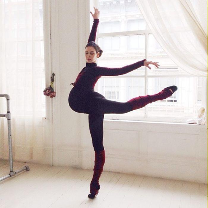Танец беременной балерины