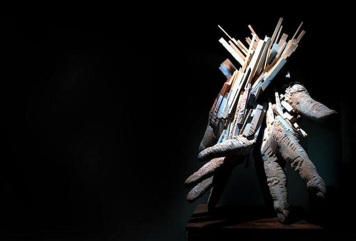 Уникальные скульптуры человеческих рук от Andy Tirado
