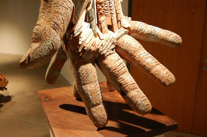Скульптуры из дерева  Andy Tirado