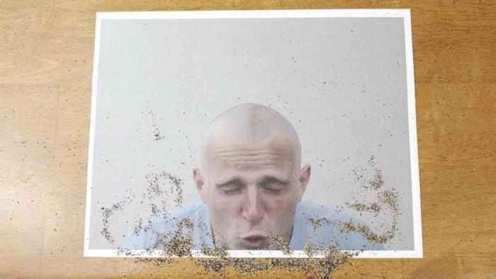 Живые фотографии: парикмахер с карандашом в руках