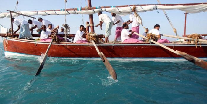 Традиционные гонки арабских лодок «доу» Al Gaffal.