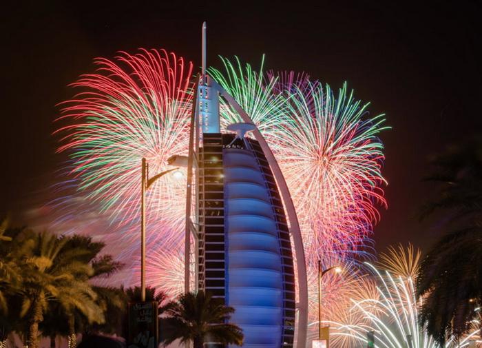 Грандиозные фейерверки в Dubai