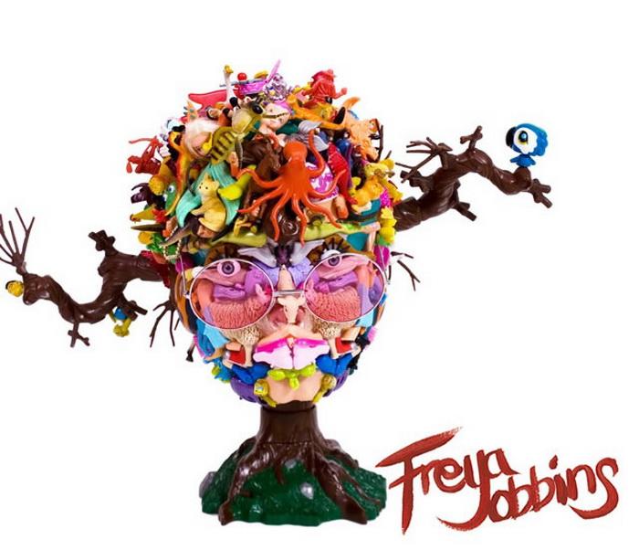 портреты знаменитостей из старых кукол от Freya Jobbins