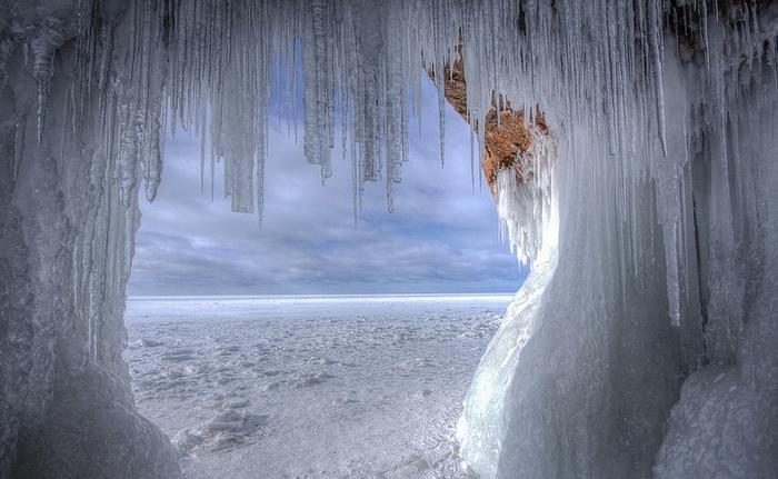 Фотографии заледеневшего озера