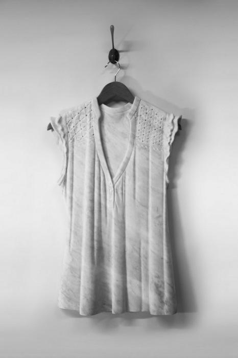 Одежда из мрамора.