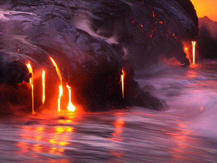 Вулкан на Гавайских островах.