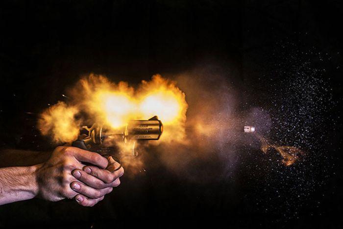 Фотосессия с пулями в главной роли