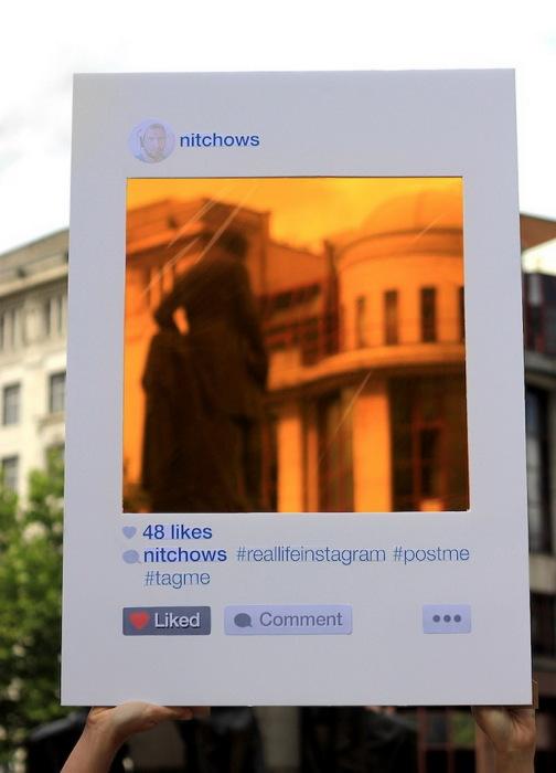 проект английского художника Bruno Ribeiro, посвященный популярной соцсети