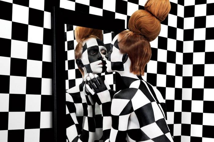 Черно-белый бодиарт от американского дизайнера Jessica Walsh: девушки бывают разными