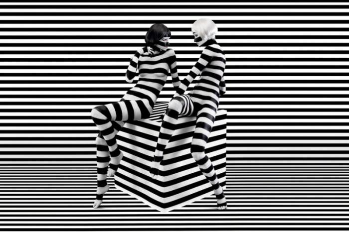 Черно-белый бодиарт от американского дизайнера Jessica Walsh