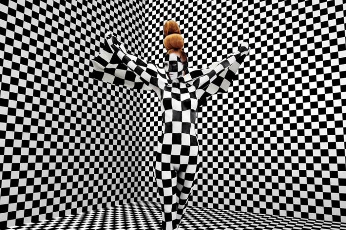 Черно-белый бодиарт в американском стиле