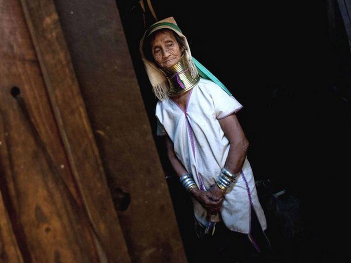 Представительницы племени Kayan.