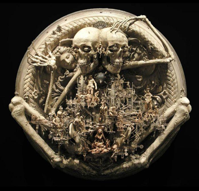 Невероятные скульптуры Kris Kuksi