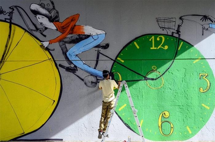 Велосипеды на стенах
