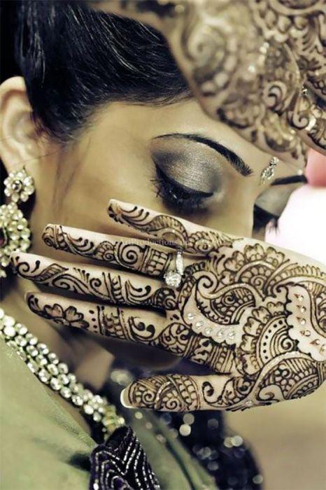 Mehndi: обычай раскрашивать тело невесты хной