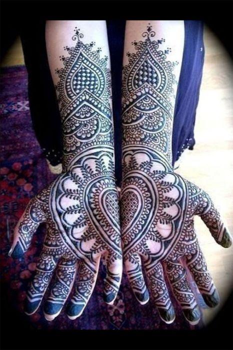 индийская традиция Mehndi