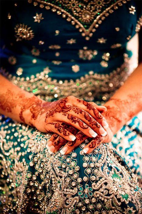 разрисовывание рук невесты перед свадьбой