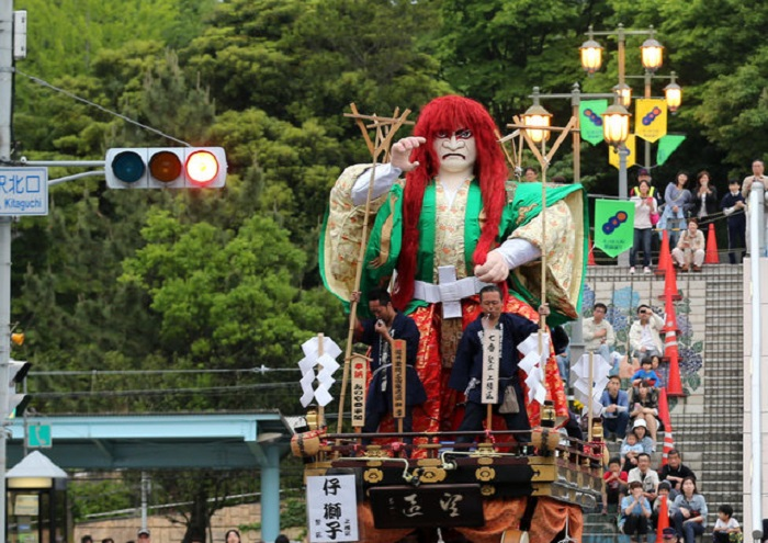 Фестиваль Mikuni Dolls в Японии.