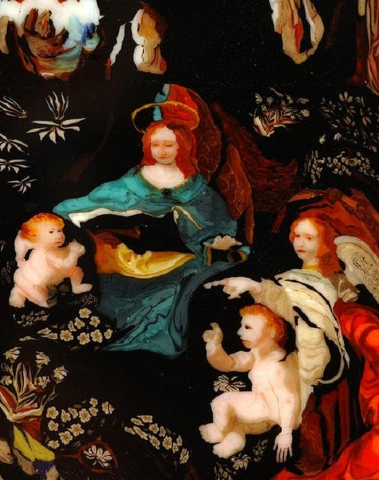 Интерпретация Богородицы Леонардо да Винчи в стекле.
