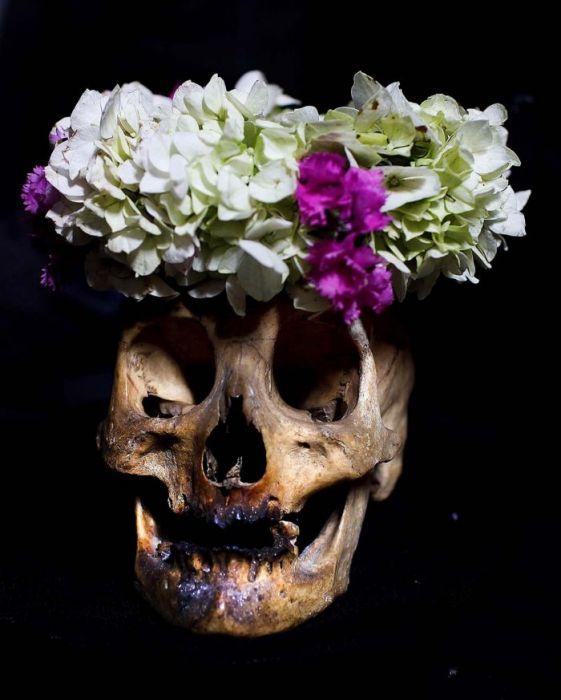 украшение черепов на празднике Натитас