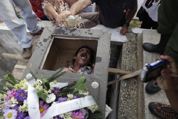 Burial of Pachencho на Кубе