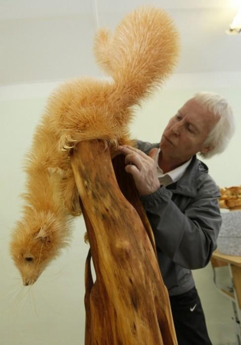 фигуры животных из деревянных стружек
